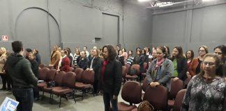 Servidores da Educação ouvem palestra sobre Inteligência Emocional
